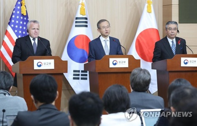 South Korea's Vice Foreign Minister Lim Sung-nam hosted trilateral talks in Seoul with U.S. Deputy Secretary of State John Sullivan and Japanese Vice Foreign Minister Shinsuke Sugiyama. (Image: Yonhap)