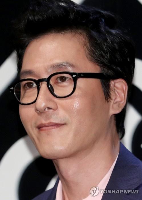 Popular actor Kim Joo-hyuk died in a car crash Monday, police said. (Image: Yonhap)