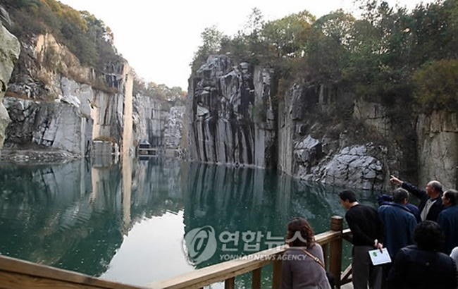 Local governments in Gyeonggi Province are reaping the rewards from transforming deserted places into cultural attractions. (Image: Yonhap)