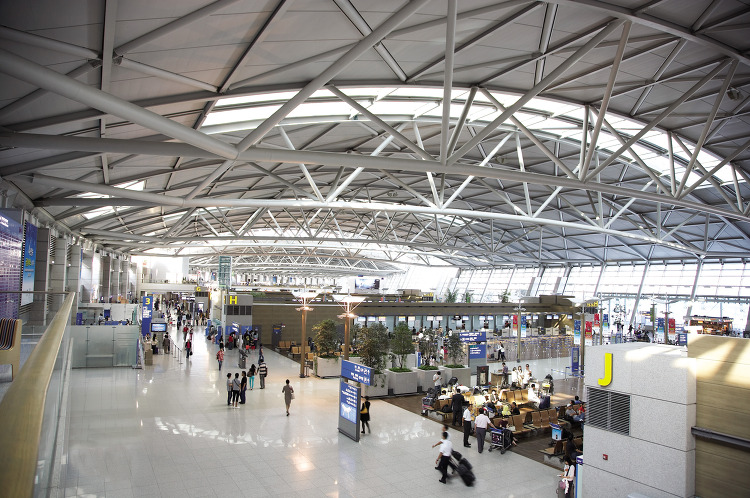 "Respondents cited ""lack of personal life"", which accounted for 43.3 percent as the first reason for wanting to leave South Korea. (image: Incheon International Airport Corp.)"