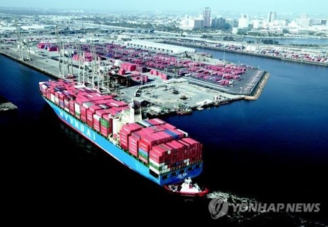 South Korea's outbound shipments grew at the fastest pace among the world's top 10 exporters in the first eight months of the year thanks to an upturn in global demand, data by the World Trade Organization (WTO) showed Tuesday. (Image: Yonhap)