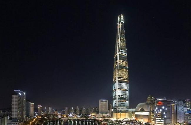 South Korea's Tallest Building Lights Up at Night Through Upcoming Winter