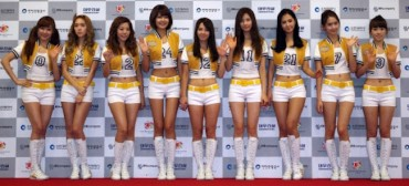 North Korean Defector Likes K-Pop Girl Groups, CSI