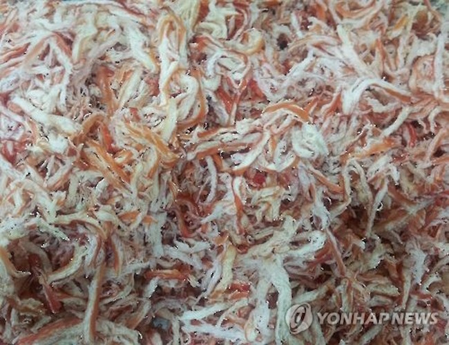 Dried squid snacks, a popular ingredient in Korean dishes and a favored accompaniment to alcohol, were found to contain on average 2.9 grams of sugar or one cube of sugar per 15 grams in research conducted by Seoul's health office. (Image: Yonhap)
