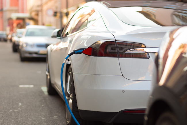 In the January-October period, the number of electric cars sold here was 10,075 units, much higher than the 5,099 sold in the whole of 2016, according to data from the transport ministry and the Korea Automobile Importers and Distributors Association. (Image: Korea Bizwire)