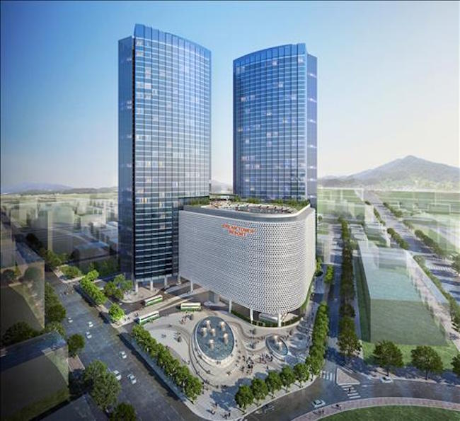 The sales offices of the Greenland Center Jeju, a subsidiary of China-based business group Greenland Group, and Lotte Tour Development Co have been some of the earliest beneficiaries. (Image: Yonhap)