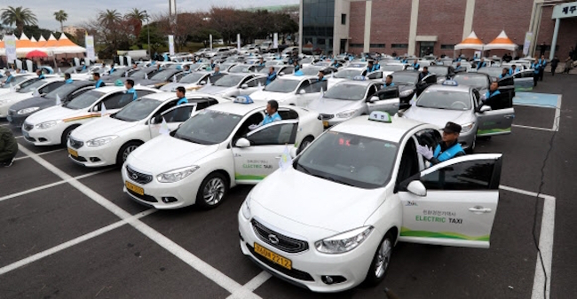 This figure will increase by nearly 50 percent, as the Ministry of Environment is likely to subsidize 4,560 EVs reserved for Jeju next year. (Image: Yonhap)