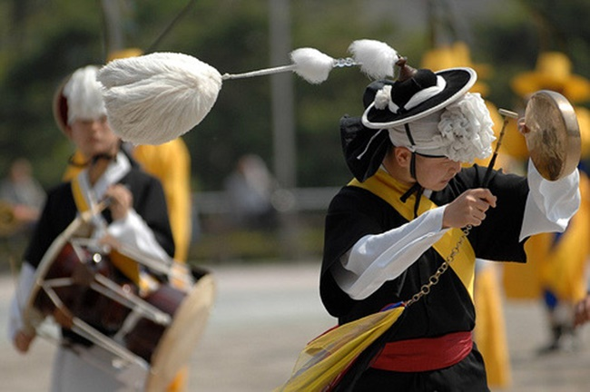 Olympic officials responsible for safety said they have banned musical instruments with loud and sharp sounds over concerns that they could disrupt sporting events. (Image: Kobiz Media)