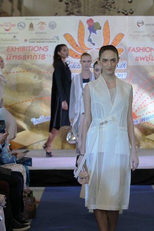 A South Korean designer's hanbok-inspired clothes were well-received at a fashion show in Bangkok. (Image: Yonhap)