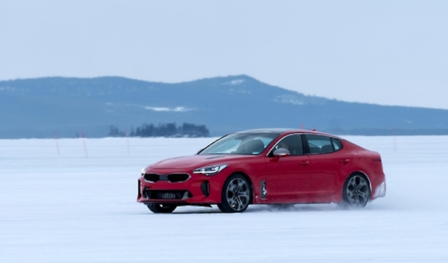The Stinger's 3.3-liter twin-turbo V6 Lambda II engine proved its power delivery, responsiveness and refinement to be among the best engines selected by WardsAuto, Kia Motors said in a statement. (Image: Kia Motors)