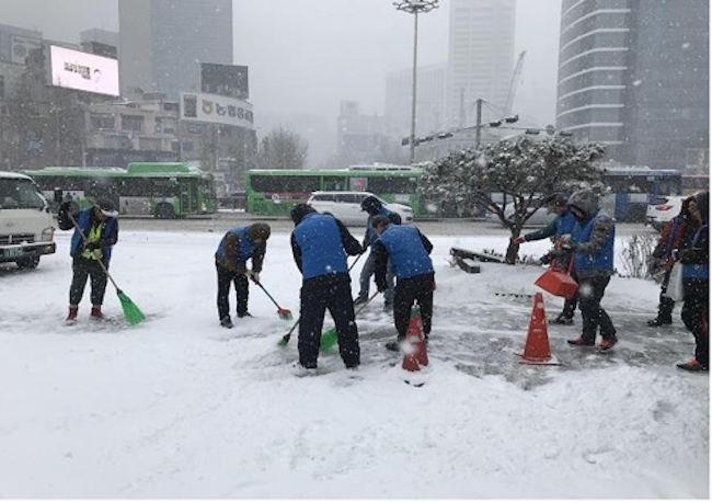 "A city official said, ""Among the homeless are individuals who want to be able to stand on their own feet, but they have difficulty finding a job due to the negative perceptions the general public hold regarding their employment."" (Image: Seoul City Government)"