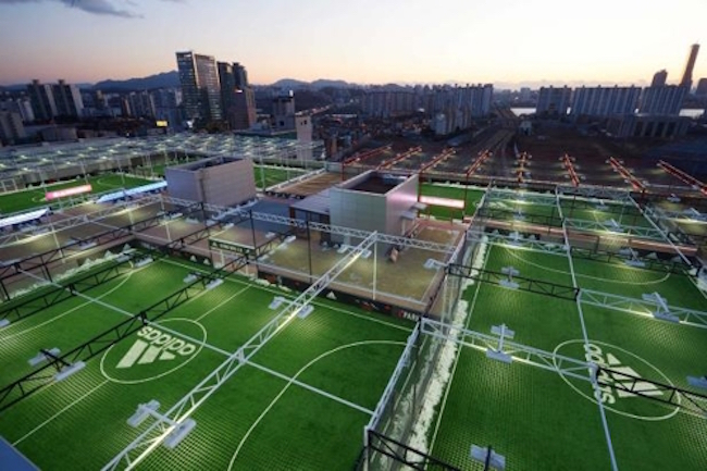"Nation's Biggest ""Futsal Town"" Located on Seoul Department Store Rooftop"