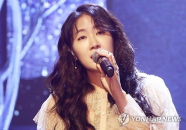 Ex-Sistar Member Soyou Returns Solo, Aims for Versatility