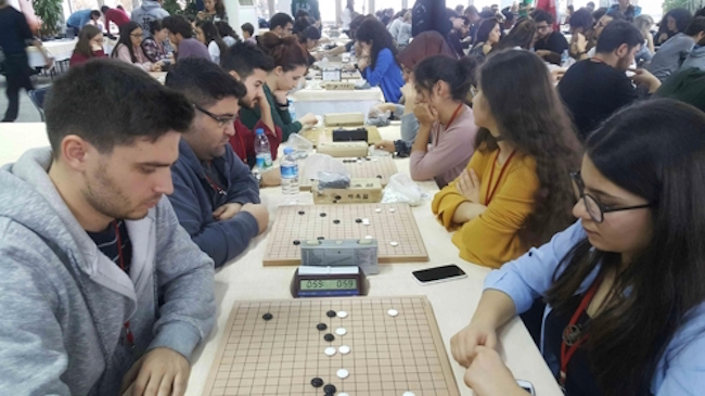 "Baduk, the Korean term for the Chinese board game ""go"", is experiencing heightened popularity in Turkey, especially among female players. (Image: Korean Cultural Center in Turkey)"