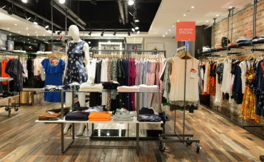 Consumers' Heightened Shopping Sensibilities Next Year's Fashion Industry Trend
