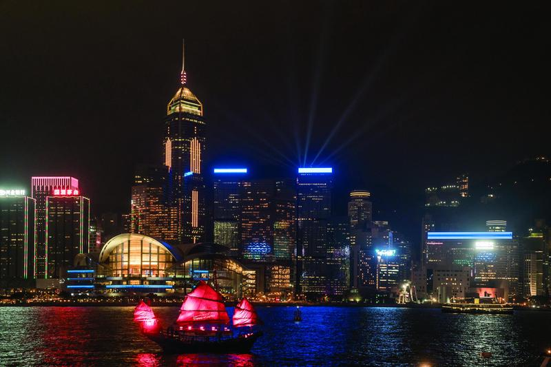 Spectacular New Version of A Symphony of Lights and Winter Version of Hong Kong Pulse Light Show Unveiled