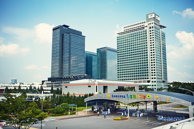 Geovision director Hah Do-hoon pointed out that the Suwon neighborhood – where Samsung Digital City is located – entered the top 100 revenue list for the first time since Geovision began conducting its study. (Image: Yonhap)