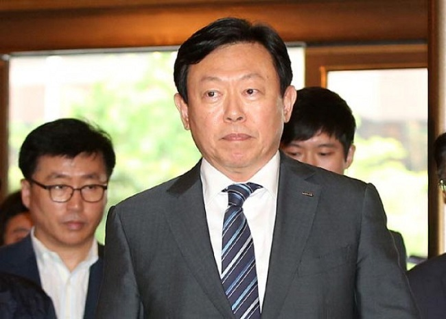 "SK Group chief Chey Tae-won and LG Group vice-chairman Koo Bon-joon both stressed ""value"" and ""innovation"", saying each word 10 times, while Lotte Group chairman Shin Dong-bin was only one step behind by emphasizing ""value"" a total of nine times. (Image: Yonhap)"