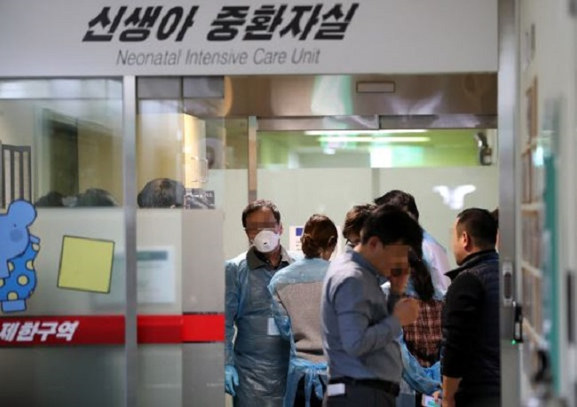 The prematurely born babies were in incubators at the intensive care unit for newborns at Ewha Womans University Medical Center in Mokdong, western Seoul, when they died between 9:31 p.m. and 10:53 p.m. on Dec. 15, 2017. (Image: Yonhap)