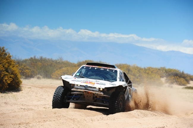 The remodeled vehicle competed in a total of 14 legs of this year's race, half of which consisted of sand dunes and deserts. (Image: SsangYong Motor)