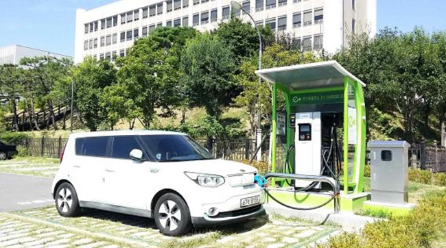 Currently, owners of electric cars are exempt from the road infrastructure tax which is imposed on diesel car drivers in the form of traffic, environmental and energy taxes, which stands between 182 and 207.4 won per 1 liter of gasoline in cash terms. (Image: Suncheon City)