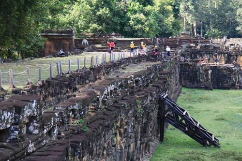 Terrace of the Elephants inside an ancient city of Angkor Thom. (image: Chico Korea)