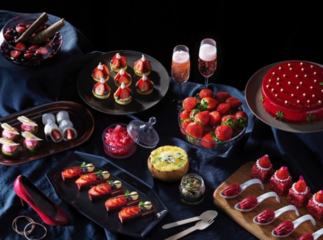 'Strawberry desert buffets' are almost becoming an annual event at luxury hotels in South Korea, as a growing number of consumers now think of 'gashimbi' as a main factor to consider when spending money. (Image: InterContinental Hotel)