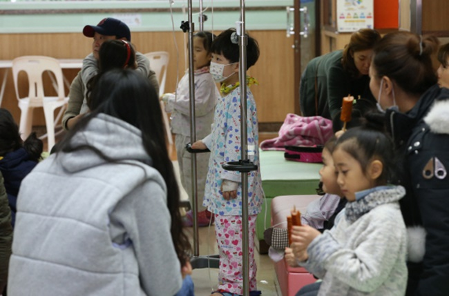 In 2017, the Korea Centers for Disease Control and Prevention found scores of infants infected with the disease at Monet Woman's Hospital following a nurse's diagnosis, prompting lawmakers to propose a bill requiring medical staff to take a tuberculosis test. (Image: Yonhap)