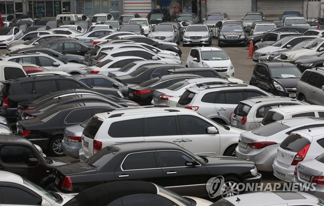 According to data released by used car company SK Encar last week, foreign cars traded on its website now account for 26 percent of all registered vehicles. (Image: Yonhap)