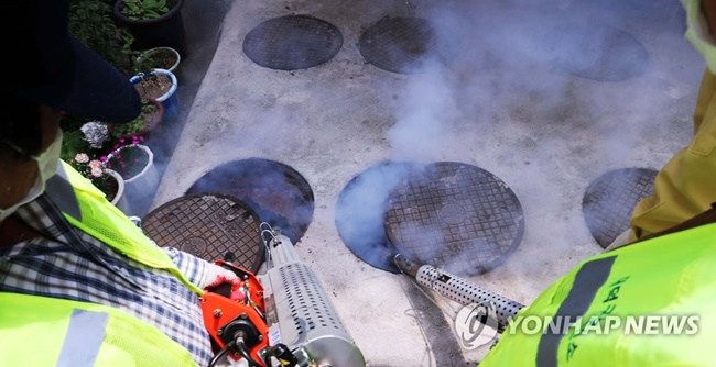 Dated septic tanks in Seoul might be on the way out, with their removal being considered by local officials following criticism over foul smells. (Image: Yonhap)