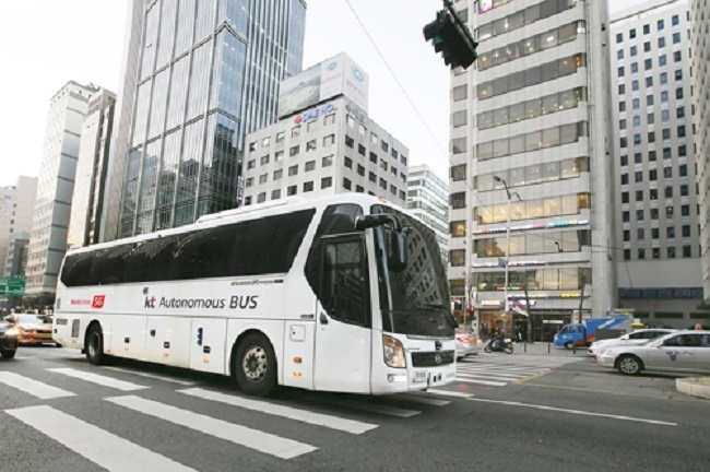 KT's 45-Seat Self-Driving Bus Latest Chapter in S. Korea's Push for Driverless Vehicles