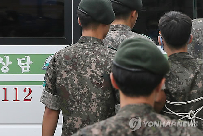 All able-bodied South Korean men are required to serve in the armed forces, a civic duty that has often gotten celebrities on the bad side of public opinion. (Image: Yonhap)