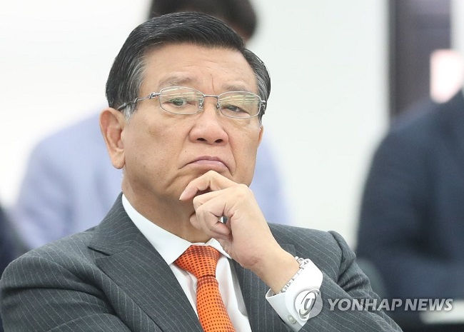 Kumho Asiana Group chairman Park Sam-koo has come under fire recently for allegedly engaging in a variety of inappropriate behaviors towards female flight attendants. (Image: Yonhap)