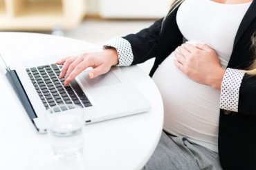 Maternity Leave Most Effective in Encouraging Women to Have a Baby