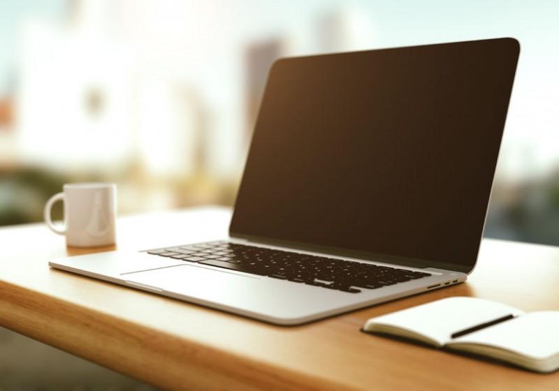 Laptops Still Popular Despite Age of Smartphones