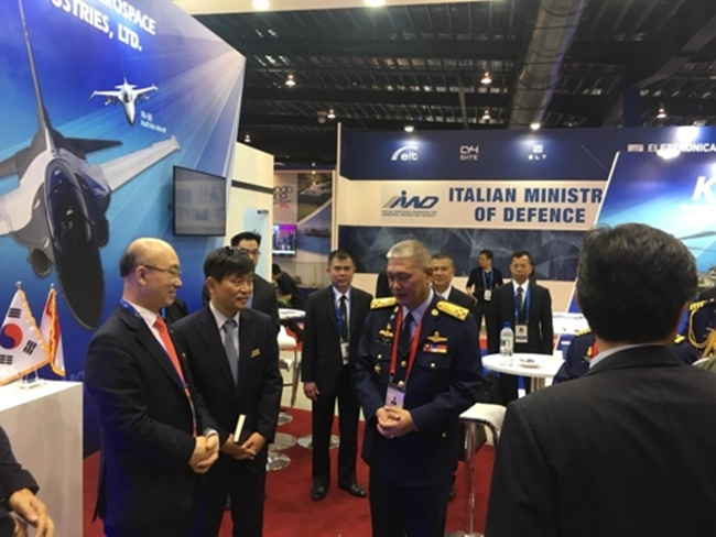 At the 2018 Singapore Airshow, which runs through Sunday, KAI showcased the KT-1 basic and the T-50 advanced trainers. It also highlighted FA-50 light attack aircraft and the Surion transport utility helicopter, KAI said in a statement. (Image: KAI)