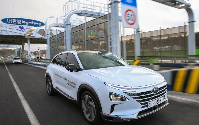 Hyundai Motor Co., South Korea's No. 1 carmaker, said Sunday its autonomous vehicles have succeeded in a test drive from Seoul to PyeongChang, an alpine town that is hosting the upcoming Winter Olympics. (Image: Yonhap)