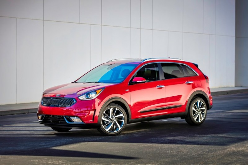 Kia Niro Named Green Car Journal's 2018 SUV of the Year