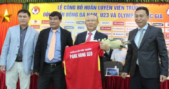 "Like his mentor, Park took a team of lowly underdogs with very little expectations placed on them to the very pinnacle of a major soccer competition, earning him the title of ""Vietnam's Hiddink"" in some circles. (Image: Yonhap)"