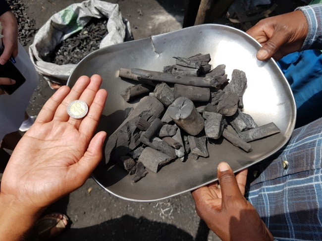 As the production of one block of charcoal requires at least ten times its weight in lumber, large swathes of Kenyan forest have been devastated by harvesting. (Image: Samsung Electronics Newsroom)