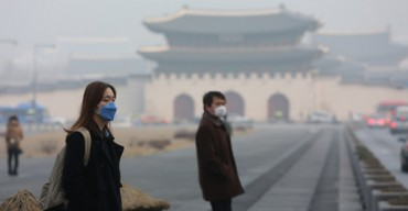 Record-High Fine Dust Keeps Stifling South Koreans