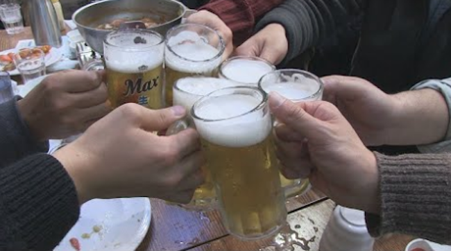 Among the participants, 708 said they drank on a regular basis, and 39.3 percent of the drinking group (278) had flushed faces after drinking. (Image: Yonhap)