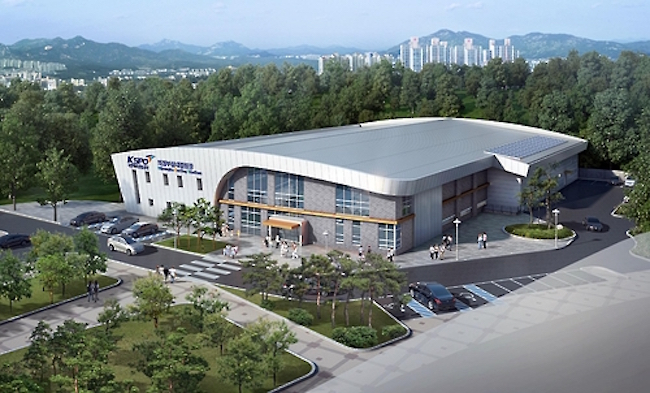 Those wanting to try their hand at imitating their Olympic curling heroes, can head to Uijeongbu's soon to open curling club, the largest in Asia. (Image: Yonhap)