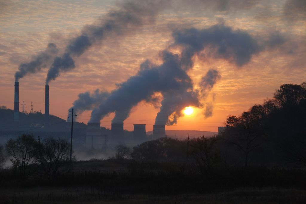 Since an emissions-credit trading system was first introduced in South Korea in 2015, companies have been buying allowances to legally emit greenhouse gases without auction fees. (Image: Kobiz Media)