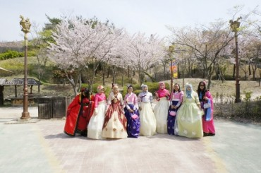 S. Korea Bolsters Efforts to Attract Foreign Tourists for Spring