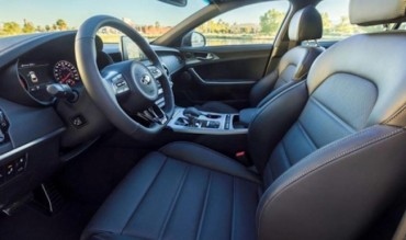 Kia Stinger, Genesis G80 Named to Autotrader's 10 Best Car Interiors under $50,000