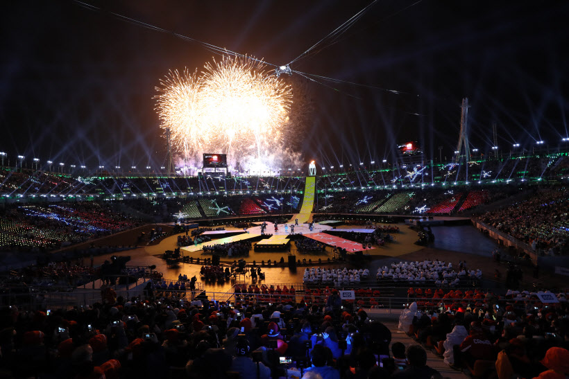 Fireworks go off at PyeongChang Olympic Stadium at the start of the closing ceremony for the 2018 PyeongChang Winter Paralympics in PyeongChang, Gangwon Province, on March 18, 2018. (image: Yonhap)
