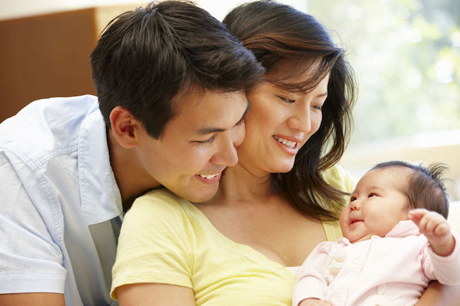 South Korean women assume nearly 70 percent of work associated with child care, although they think their spouses should take up more than 40 percent of the load, a survey showed Friday. (Image: Korea Bizwire)