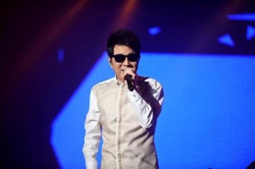 Singer Cho Says Music Can Connect Two Koreas