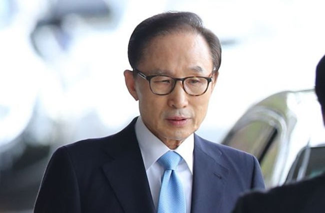 The ongoing investigation by the fact-finding committee operating under the Ministry of Culture, Sport and Tourism into Lee's possible responsibility in a fake news smear campaign is set to continue until late this month. (Image: Yonhap)